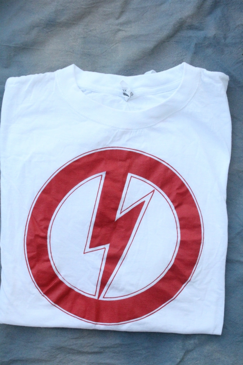 *LIMITED EDITION* RED CIRCLE WITH BOLT RUNE XL WHITE TEE TSH 193
